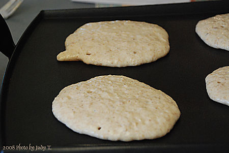 Cooking whole wheat pancakes